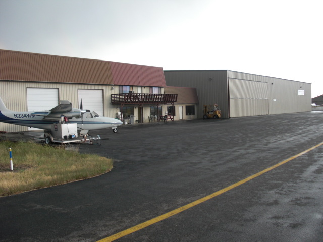 northern-sky-hanger.JPG