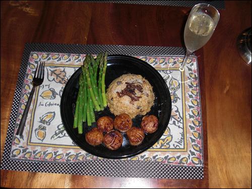 Scallops, Mushroom Risotta, Asparagus